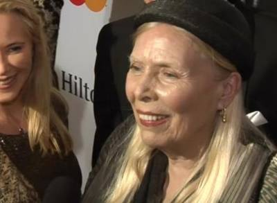 News video: Joni Mitchell in Hospital